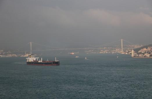 """Турция """"прикрутила"""" экспорт российской нефти через Черное море"""