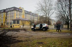 """В Одессе стройку """"собачьего городка"""" атаковали бульдозеры (ФОТО)"""