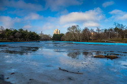 Почти весна: в одесских парках тает лед (ФОТО)