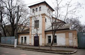 """В Одессе вместо старинного особняка рядом с вокзалом построят многоэтажный """"Аполлон"""" (ФОТО)"""