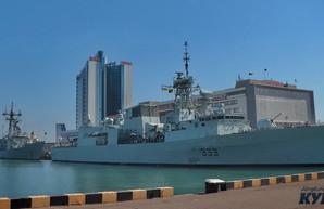 В Одессу зашли два мощных боевых корабля НАТО (ФОТО)