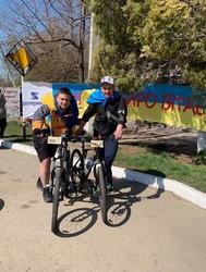 """В Одессе стартовала """"сотка"""" велосипедистов и бегунов (ФОТО)"""