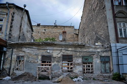 В Одессе начинается стройка в центре города под видом реконструкции старого дома (ФОТО)