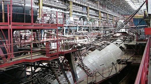 Амурский судостроительный завод погружается на дно с ускорением