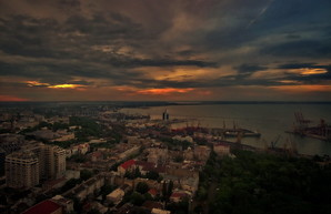 Мрачный закат над Одессой (ФОТО, ВИДЕО)