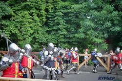 Рыцарские бои под дождем: как в Одессе прошел средневековый фестиваль (ФОТО)