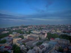 Город у моря: вечерняя Одесса с высоты полета беспилотника (ФОТО)