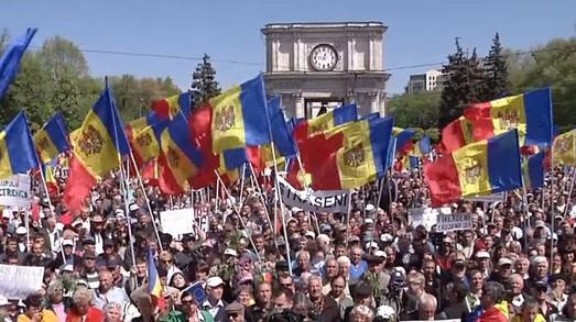Политический кризис в Молдове или очищение от кремлевской марионетки