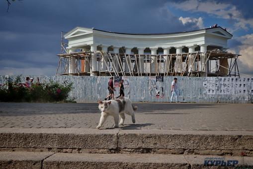Одесские чиновники рассказали, когда закончится реставрация знаменитой Воронцовской колоннады