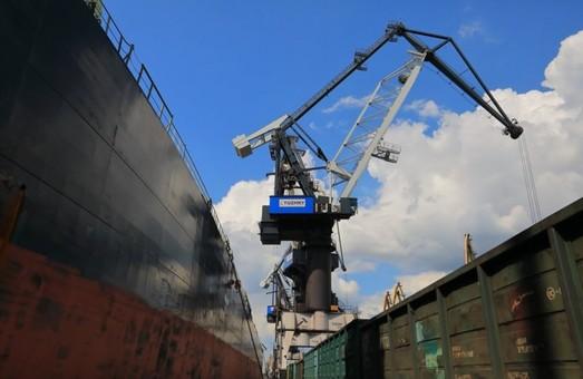 «Морской торговый порт «Пивденный» уже перевыполнил план по перевалке грузов за первое полугодие