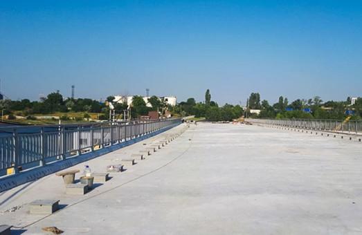 В Черноморске под Одессой завершают строительство моста через Сухой лиман