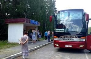 Пассажиры автобуса Болград – Москва на 18 часов застряли в поле из-за неисправности автобуса