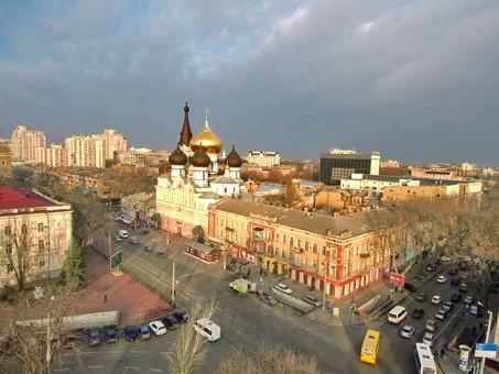 В Одессе будут реставрировать старый дом напротив вокзала