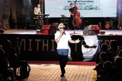 В Одессе всемирно известный певец выступил в вышиванке и признался в любви к Украине (ФОТО)