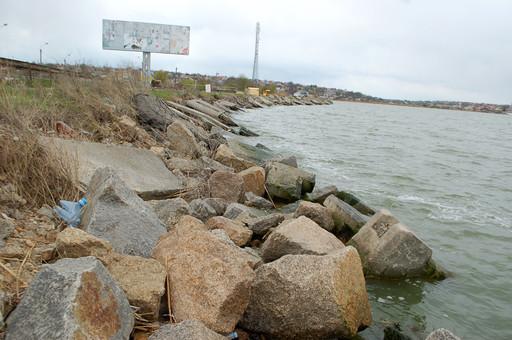 Одесские чиновники жалуются на областную администрацию из-за возможности разрушения дамбы Хаджибейского лимана