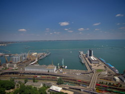 В Одессу пришли четыре боевых корабля НАТО: фото с высоты птичьего полета