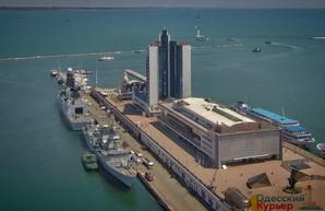 Террористы угрожают взорвать морской вокзал в Одессе