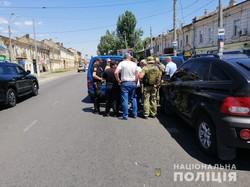 В Одессе террорист захватил заложниц и потребовал вертолет с миллионом долларов: его задержали (ФОТО, ВИДЕО)
