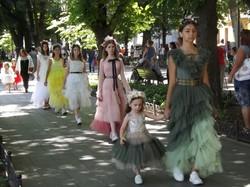 В Одессе установили рекорд: более 500 фотомоделей выстроились на Потемкинской лестнице