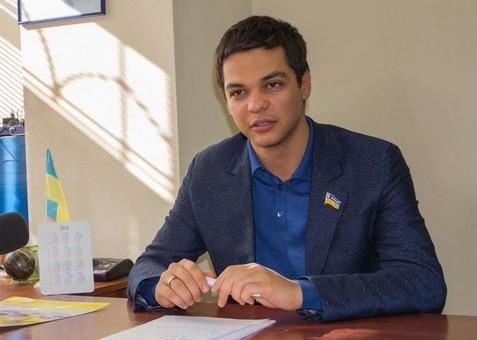 В подкупе избирателей уличили кандидата в нардепы от Киевского района Одессы Баранского