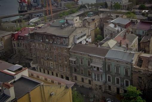 """В Одессе будут ремонтировать комплекс """"дома с Атлантами"""" на улице Гоголя"""
