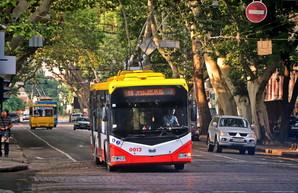 На некоторых одесских троллейбусах появились наружные схемы маршрутов как в метро (ФОТО)