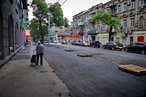 В Одессе ликвидировали скандальную парковку на Канатной (ФОТО)