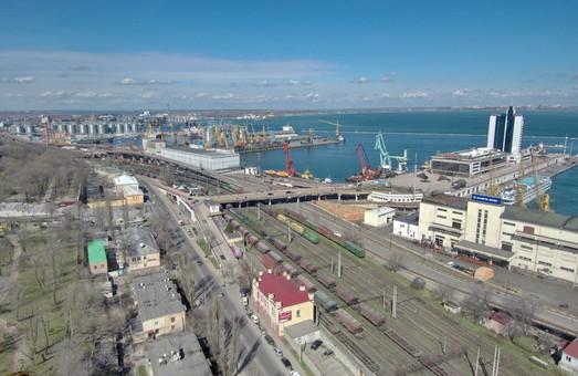 Три порта Большой Одессы и Николаев обрабатывают 80% всего грузопотока морских портов Украины
