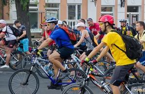 В воскресенье одесские велосипедисты пересядут на каяки