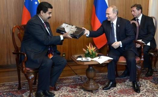 За полной экономической блокадой Венесуэлы последует военная