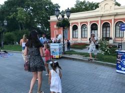 Драматическая история: как одесские чиновники пытаются победить торговцев с Дерибасовской (ФОТО)