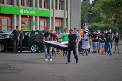 Перед началом сессии облсовета митингуют (ФОТО)