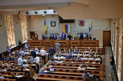 Сессия Одесского облсовета заблокирована по призыву вице-губернатора (ФОТО)
