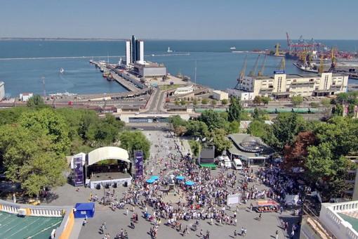 Массовый диктант по украинскому языку на Потемкинской лестнице проведет Любко Дереш