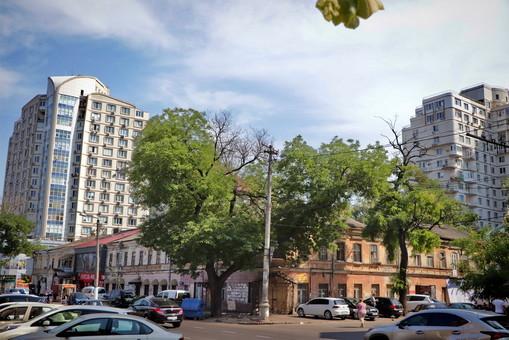 """Остатки старых торговых рядов около одесского """"Привоза"""" исключают из списка памятников архитектуры (ФОТО)"""