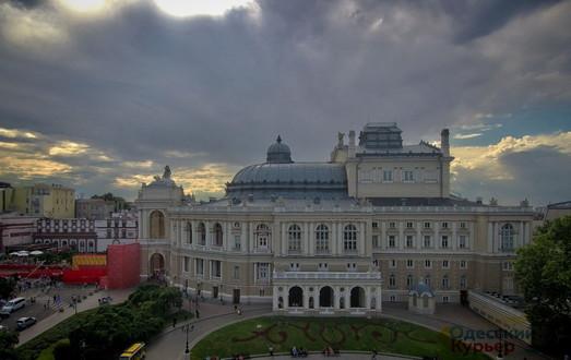 С 30 августа в Одесской Опере начнется бархатный сезон