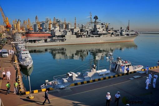 На День Независимости одесситов приглашают в гости на военные корабли