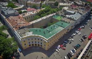 Одесский Дворец моряков внесён в реестр памятников Украины, но высотку позади него все равно построят