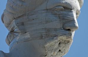 Скульптуру на крыше здания одесского горсовета мог повредить дрон,- мэрия