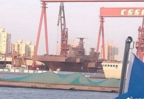 Китай менее чем за год построил вертолетоносец проекта 075 (ФОТО)