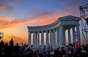 В Одессе открыли обновленную Воронцовскую колоннаду: получилось красиво (ФОТО)