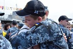 Военные моряки после плена в России и реабилитации вернулись в Одессу (ФОТО)