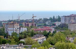 Под Черноморском на глазах у отдыхающих произошёл оползень (ВИДЕО)
