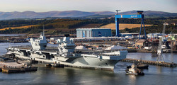 """Великобритания отправила """"в море"""" свой второй авианосец (ФОТО)"""