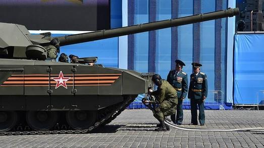 """Удобный Смоленков: агента ЦРУ уже обвиняют и в провале программы Т-14 """"Армата"""""""