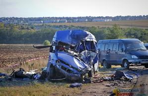 Виновник смертельной аварии под Одессой задержан, известны имена погибших