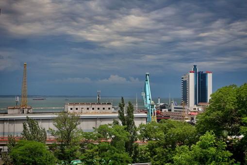 Вечером в Одессе ожидается ливень с грозой