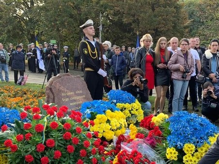 В Одессе почтили защитников Украины (ФОТО)