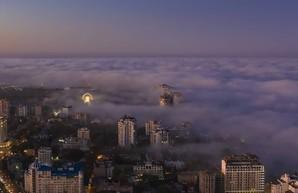 Вечером на побережье Одессы опустился необычный туман (ФОТО)