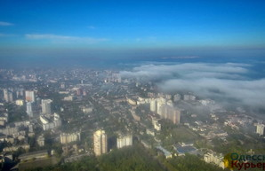 Выше облаков: показываем, как на Одессу идет туман (ФОТО, ВИДЕО)